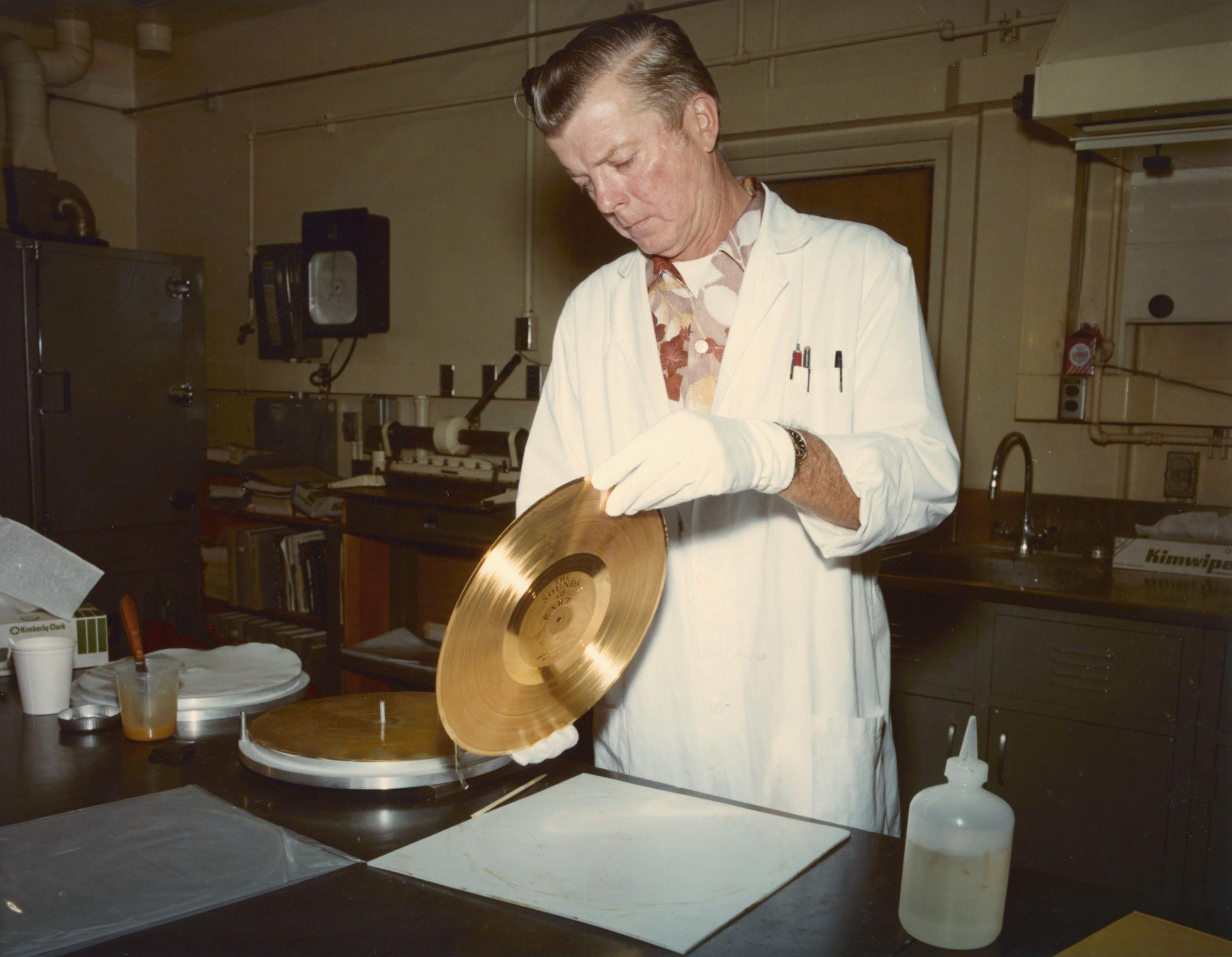Voyager Golden Record, lamination bonding, 8-31-1977