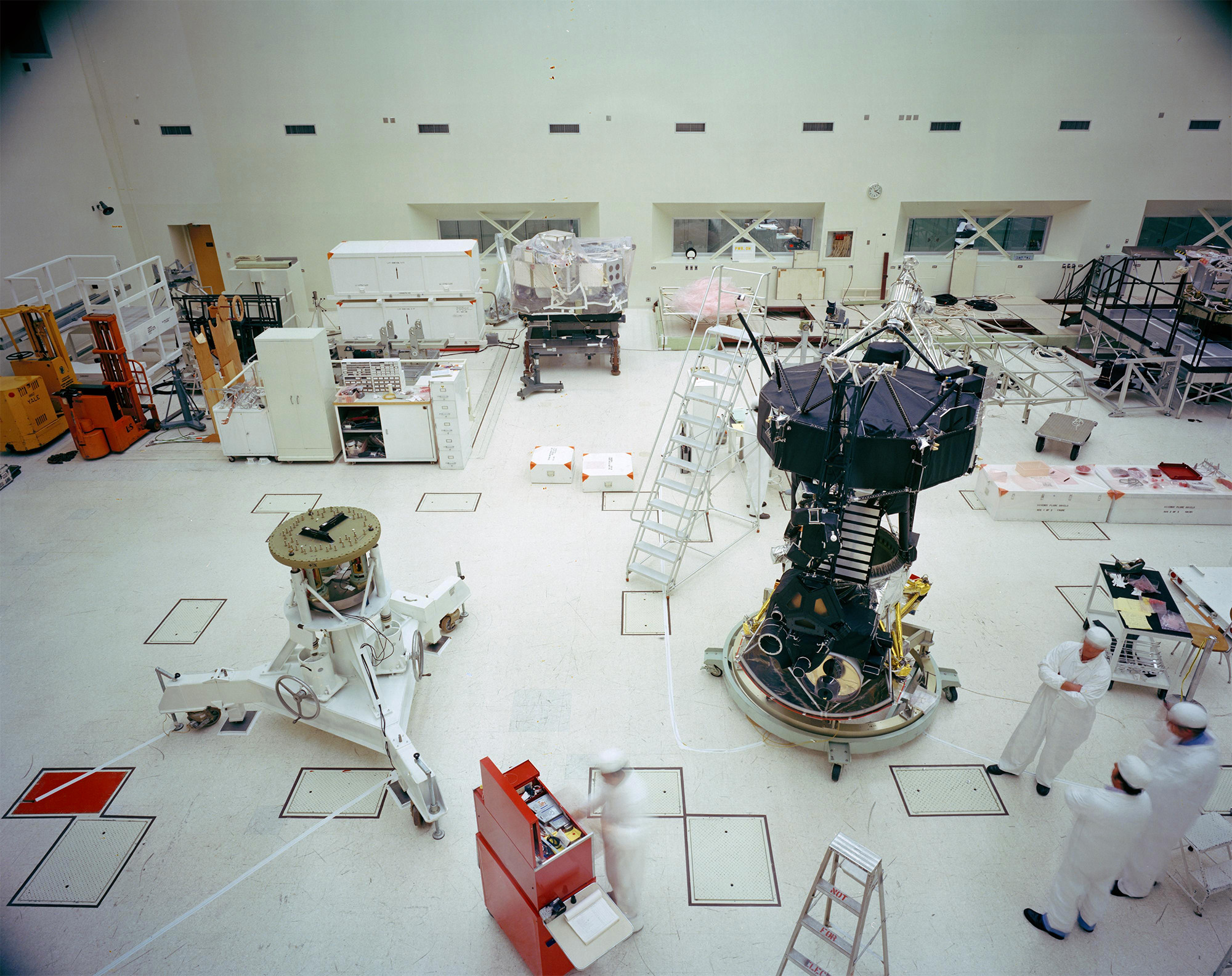 Voyager Proof Test Model and Cleanroom