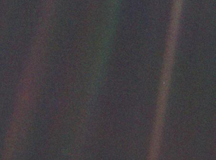 last picture of earth voyager 1 - photo #15